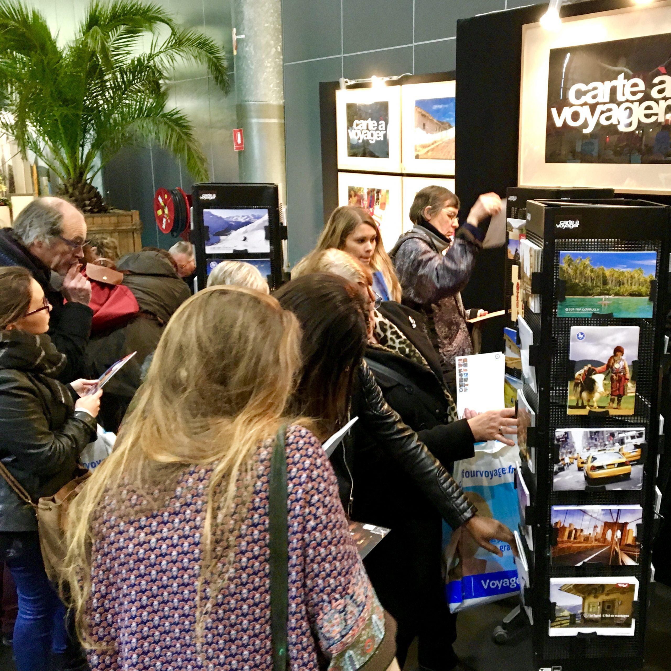 c-17-Carte-a-Voyager-cartes-postales-gratuites-offertes-visiteurs-salons-tourisme-mahana-tourissima-lille-lyon-paris-salon-mondial-du-tourisme-servez-vous